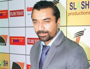 एनसीबी ने अभिनेता एजाज खान को ड्रग मामले में किया गिरफ्तार
